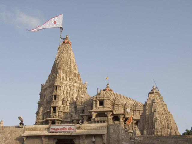 dwarkadheesh temple uof jamnagar gujrat