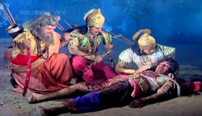 dying duryodhan told the reason behind his defeat by gestures