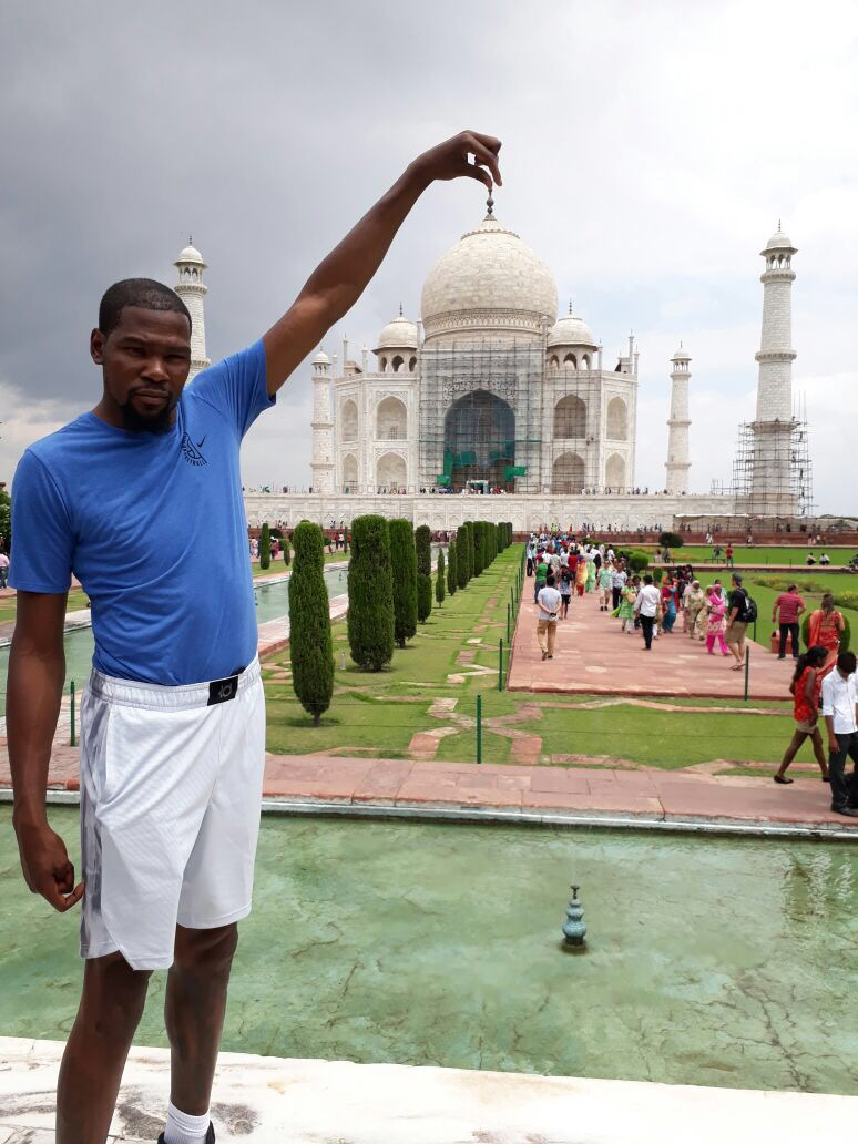 NBA player derent kevin in India!