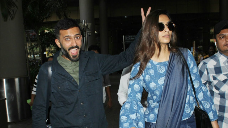 sonam kapoor spotted on airport with anand ahuja!