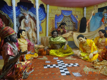 Yudhisthar hadnt loosed draupadi in game with kaurava's