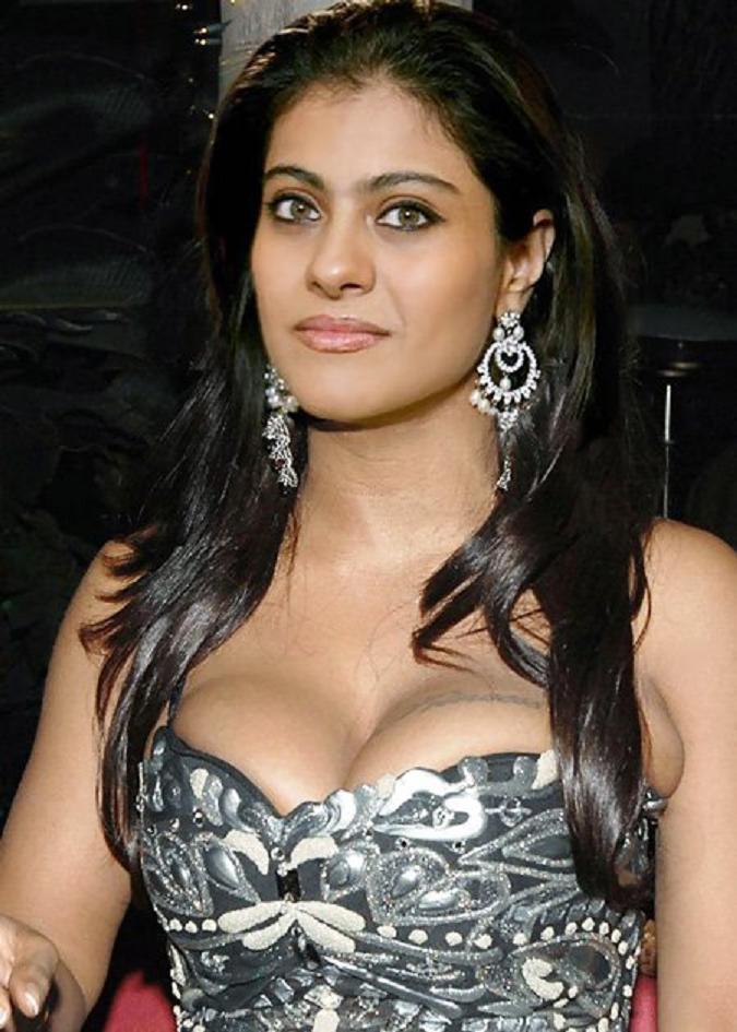 Actress kajol boldest picks taken through theft by reporters