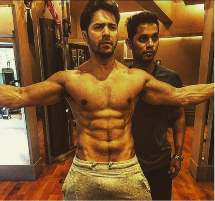 Varun dhawan oops moment caught in camera!