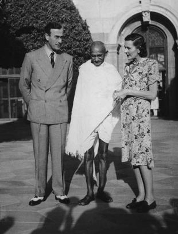 Know some facts about dressing of gandhi ji...