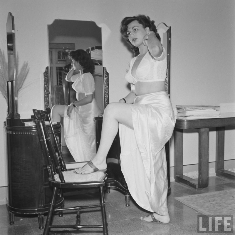 Bollywood first photoshoot in 1950 picks!