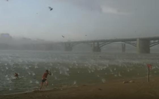 Dangerous hail fall in russia in year 2014