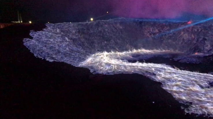 Amazing fire in S water you wont believe!
