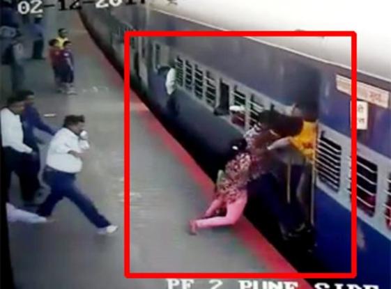 RPF officer saved girl in pune railway station!